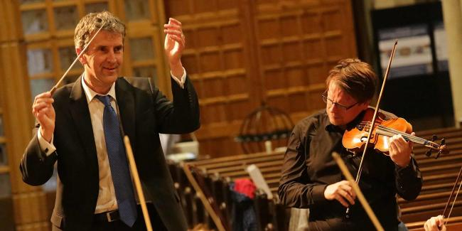 Conductor Robert Baxter and soloist Tobias Ringborg in rehearsal with the Amicus Orchestra, pic by Bill Kean