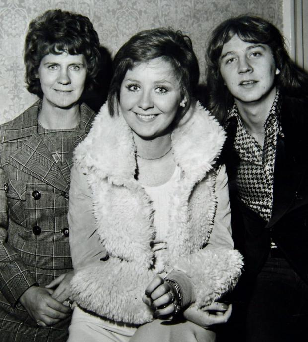 HeraldScotland: Lulu with her mother and brother in 1976