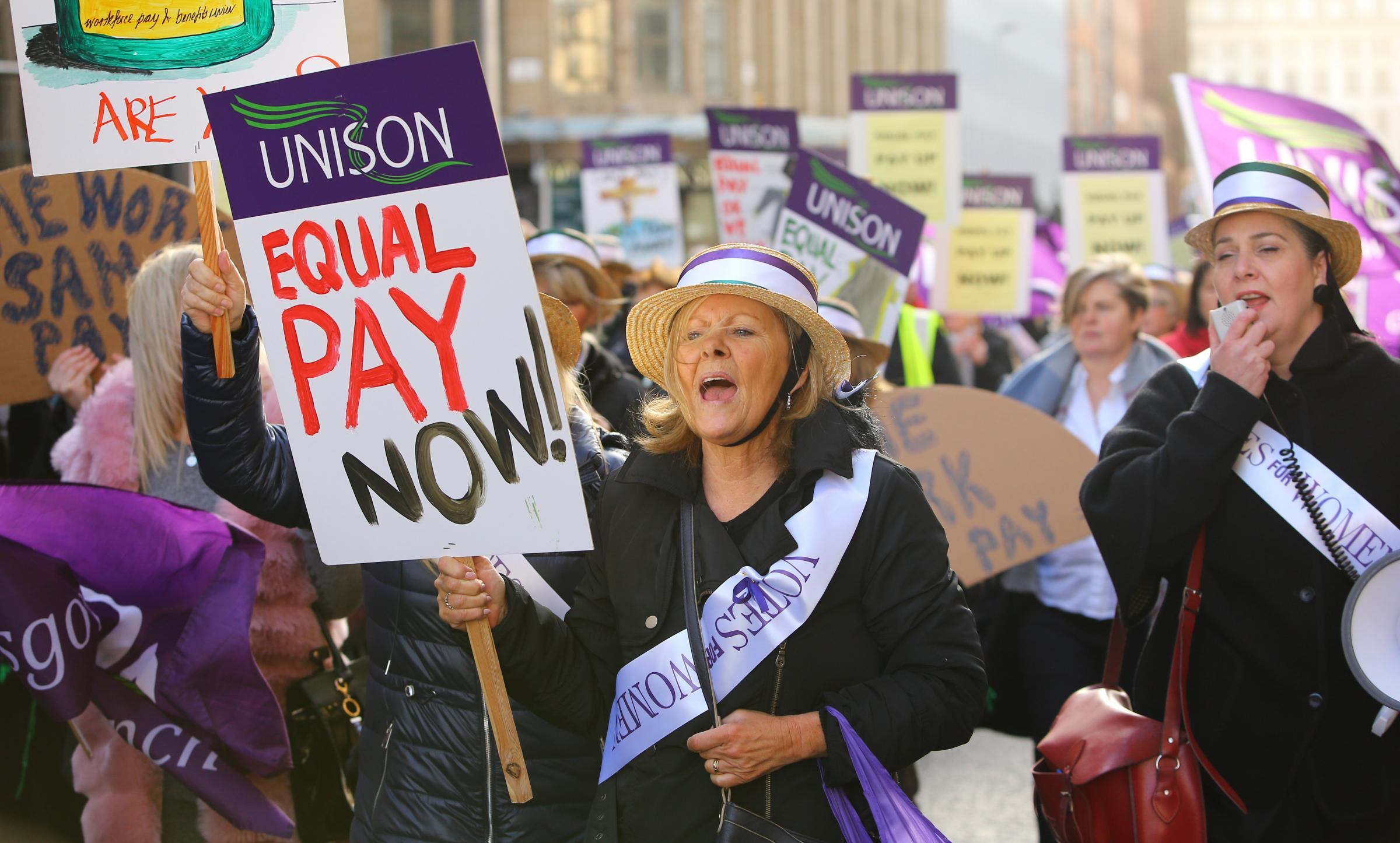 Further loan deal helps to pay £548m Glasgow equal pay deal