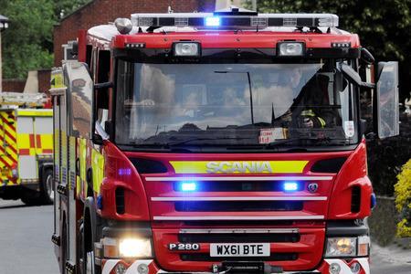 Jalan Parnie: Jalan Glasgow ditutup setelah kebakaran rumah