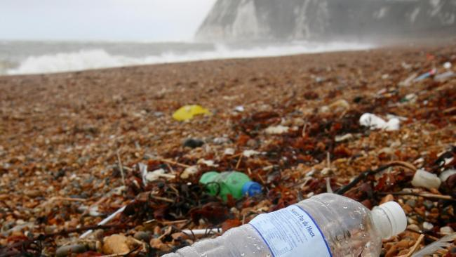 'Shocking' failure by Scottish business to cut single-use plastic