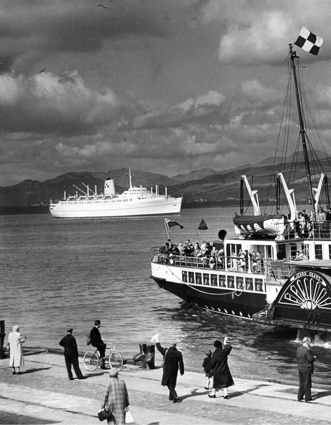 Empress of England at the Tail o'the Bank, 1960
