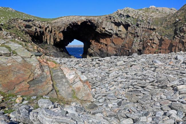 G31CP8 A sea arch on the Island on Pabay Mor in the Outer Hebrides. Image shot 05/2016. Exact date unknown..