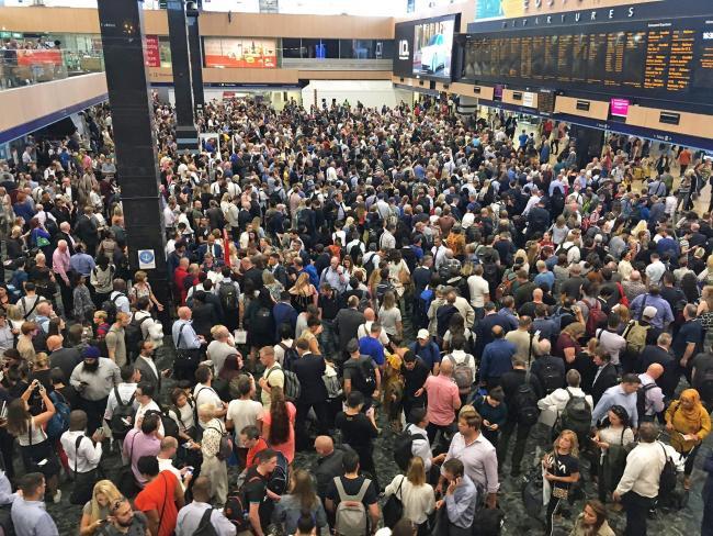 Thousands stuck at London railway station serving Scotland