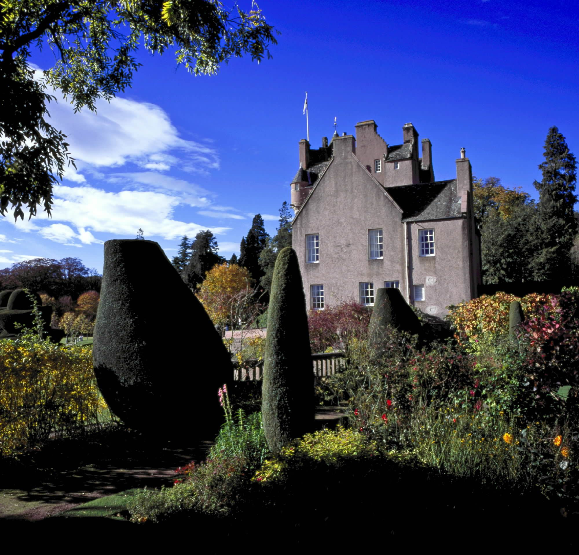Crathes, the gems and treasures of Scotland's fairy-tale castle