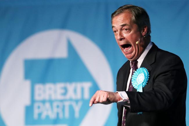 Brexit: Nigel Farage menghadapi reaksi keras setelah mengeluh dia pergi ke tujuh stasiun untuk mencari bahan bakar