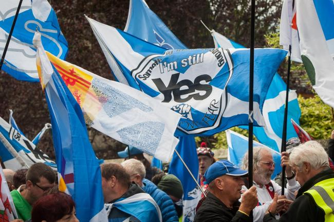 Independence supporters march in Dunfermline