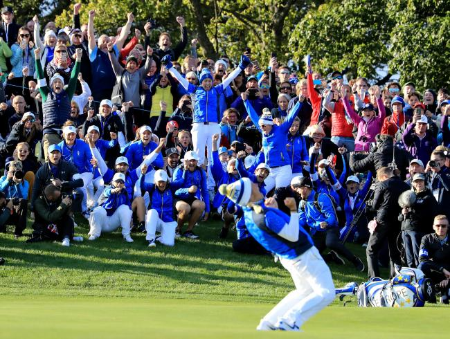 Suzann Pettersen celebrates winning the Solheim Cup for Europe