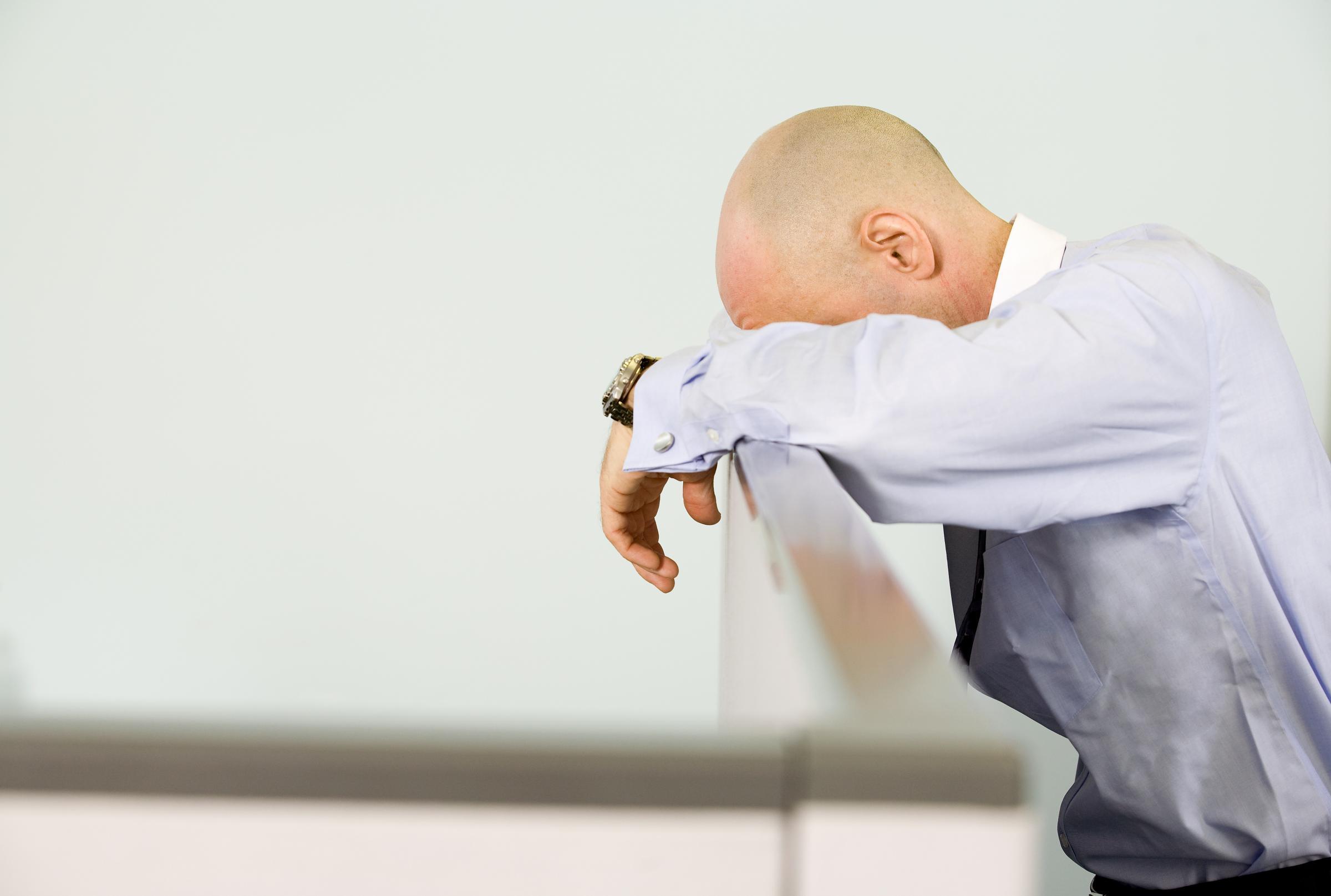 Kelelahan pekerja massal mengancam masa-masa sulit di depan