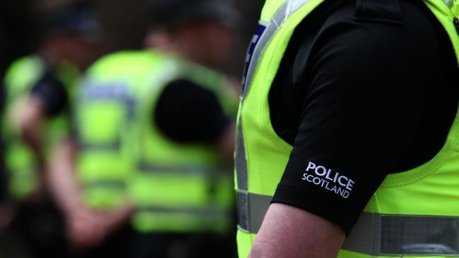 Letters: Police Scotland figuras típicas de una sociedad moderna en la que nadie, excepto la víctima, sufre realmente