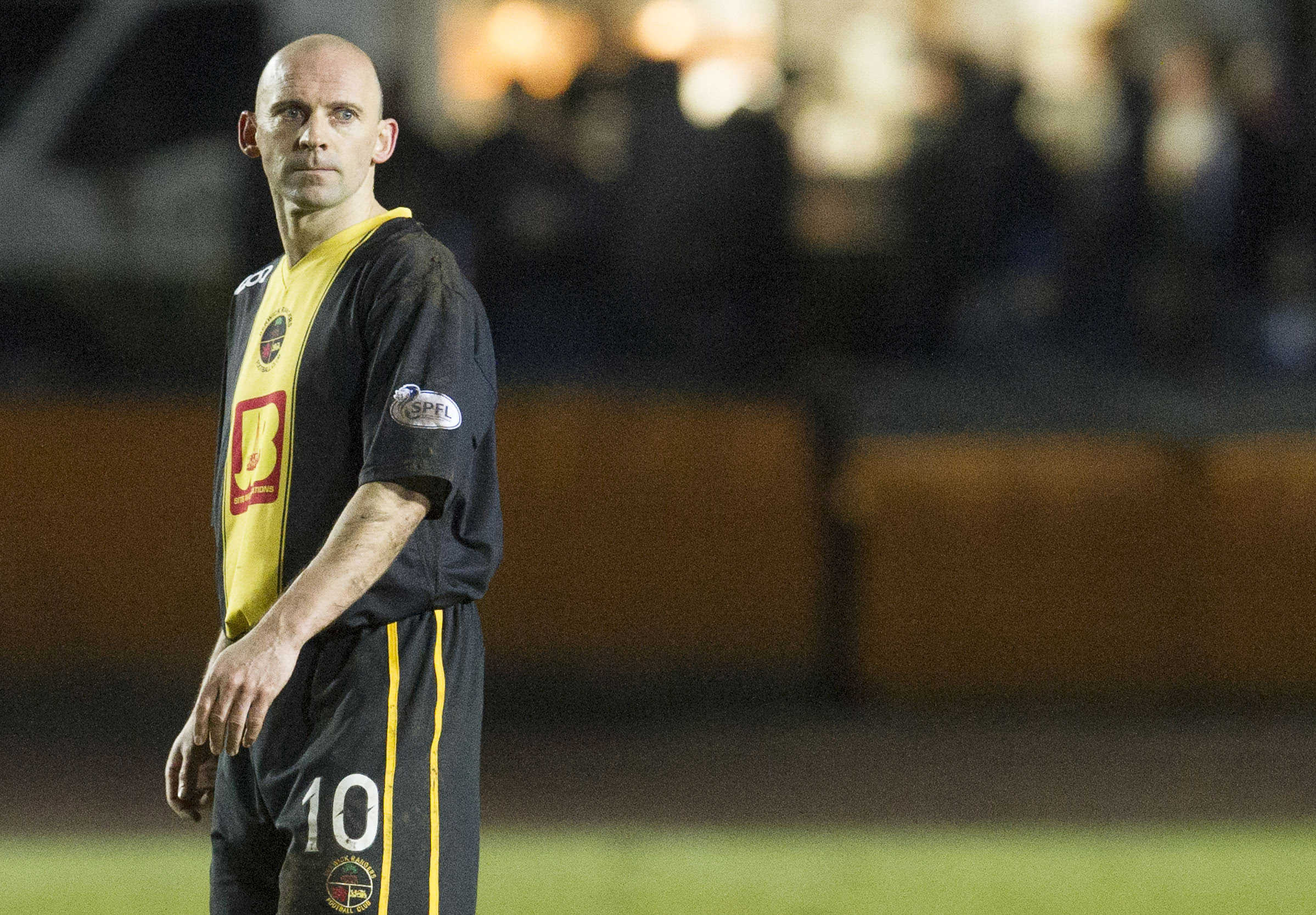 Former Scotland midfielder Colin Cameron joins Ian Murray as Airdrieonians' new assistant manager