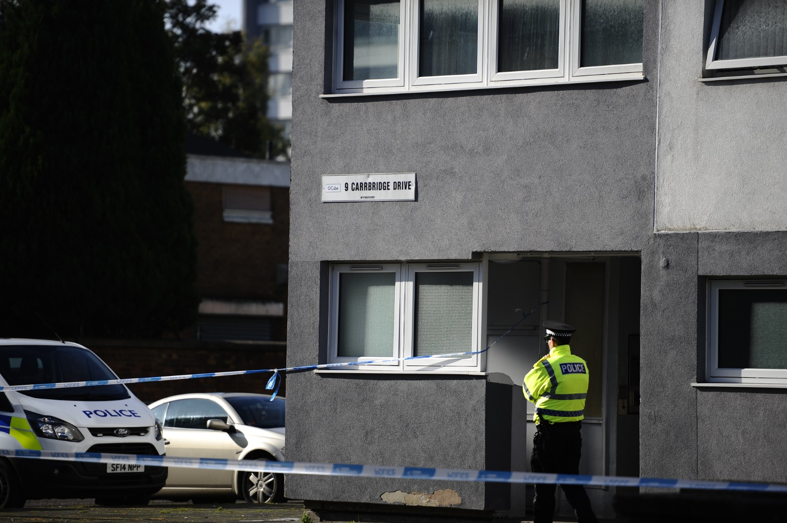 Teen arrested after man found dead in Glasgow flat