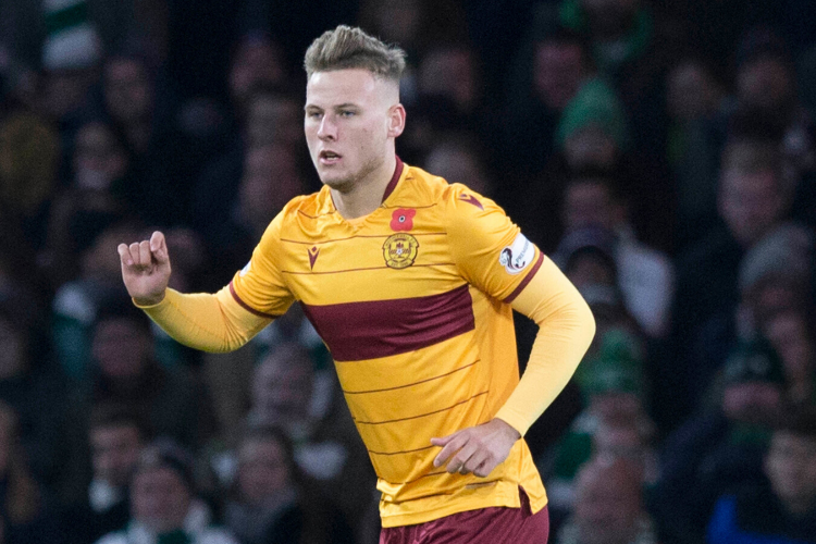 St Mirren 0-3 Motherwell: James Scott can score belters, now he must prove he can score scrappy goals, says Robinson