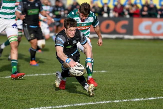 George Horne scores a try