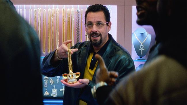 Adam Sandler plays a fast-talking, ever-hustling New York jeweller