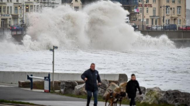 Storm Brendan: Disruption as high winds, snow and ice forecast for Scotland