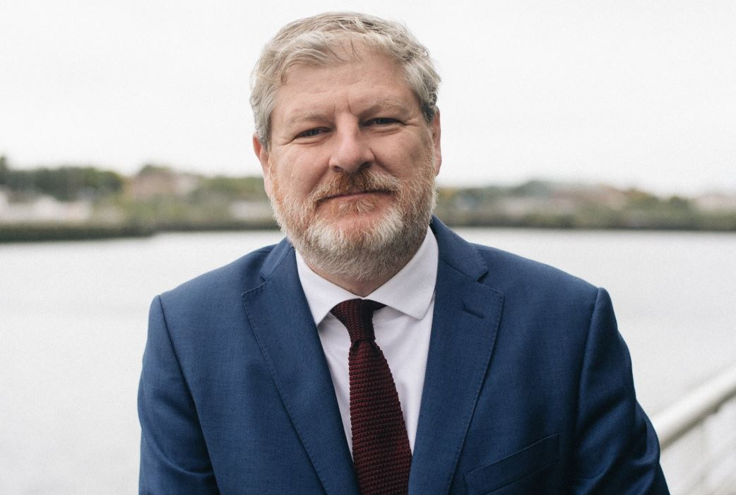 Angus Robertson announces bid to become MSP