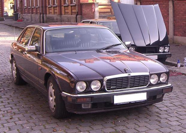 HeraldScotland: A 1993 Jaguar XJR6 was also linked to the suspect. A