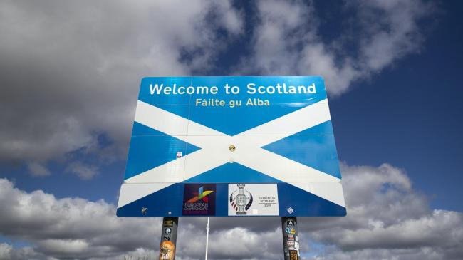 40% of Scots say English tourists should not be allowed into Scotland – poll