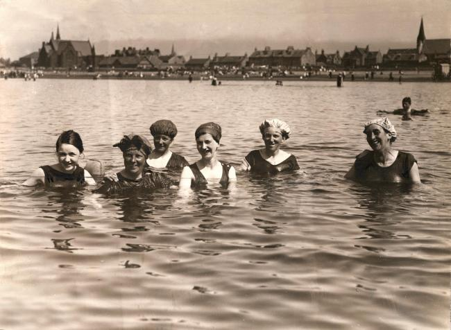 Bathing belles enjoying a dip (Photo: Scran)
