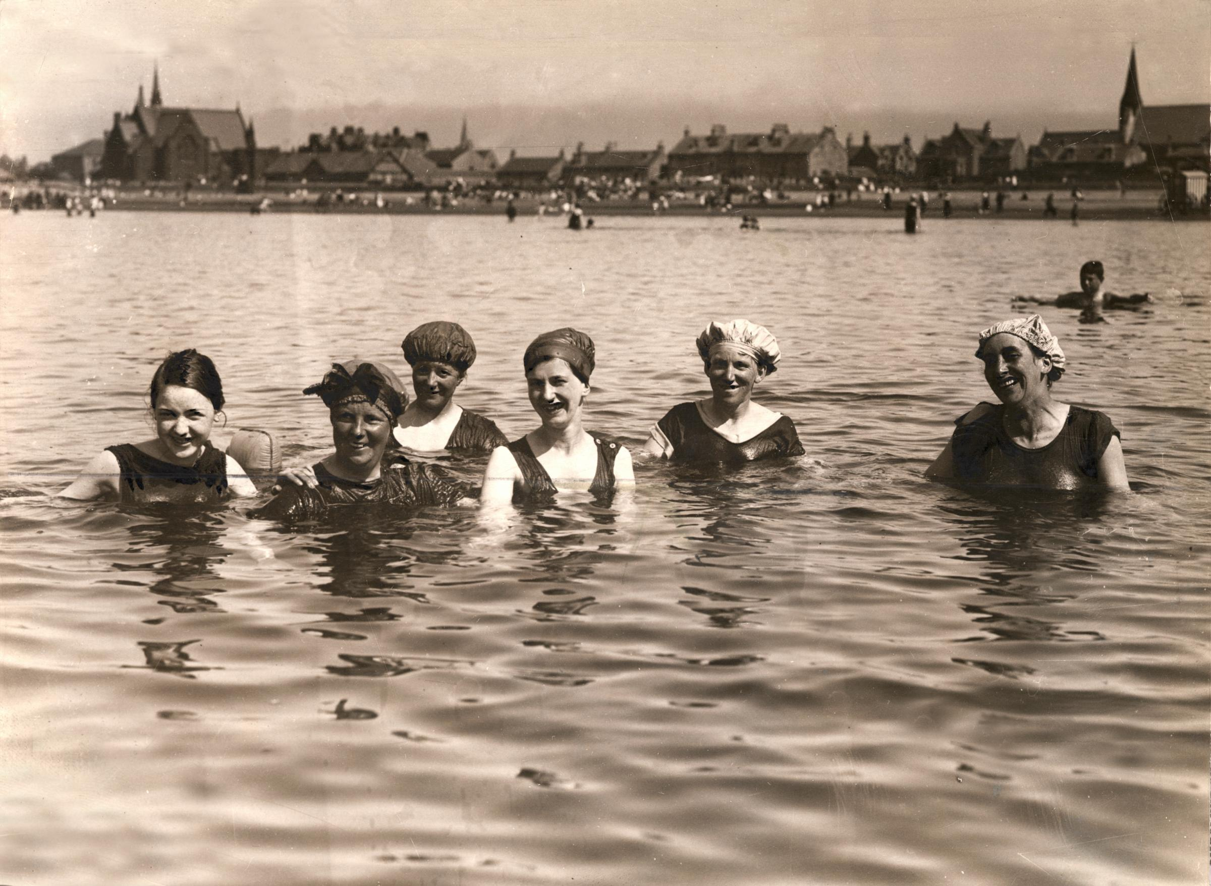 Splash Back Fond Memories Of Scottish Seaside Holidays Heraldscotland