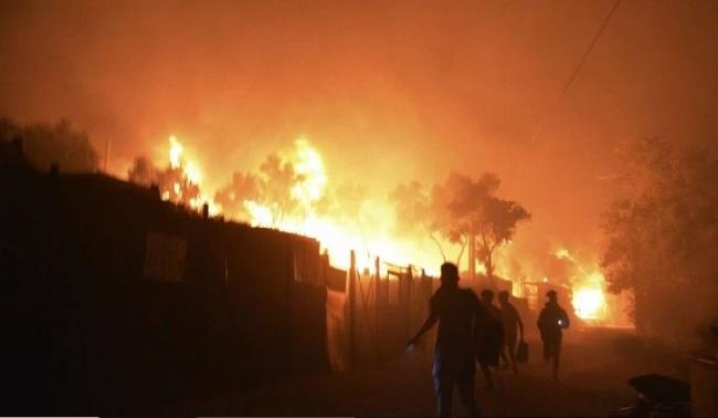 Fire destroys Greece's largest migrant camp