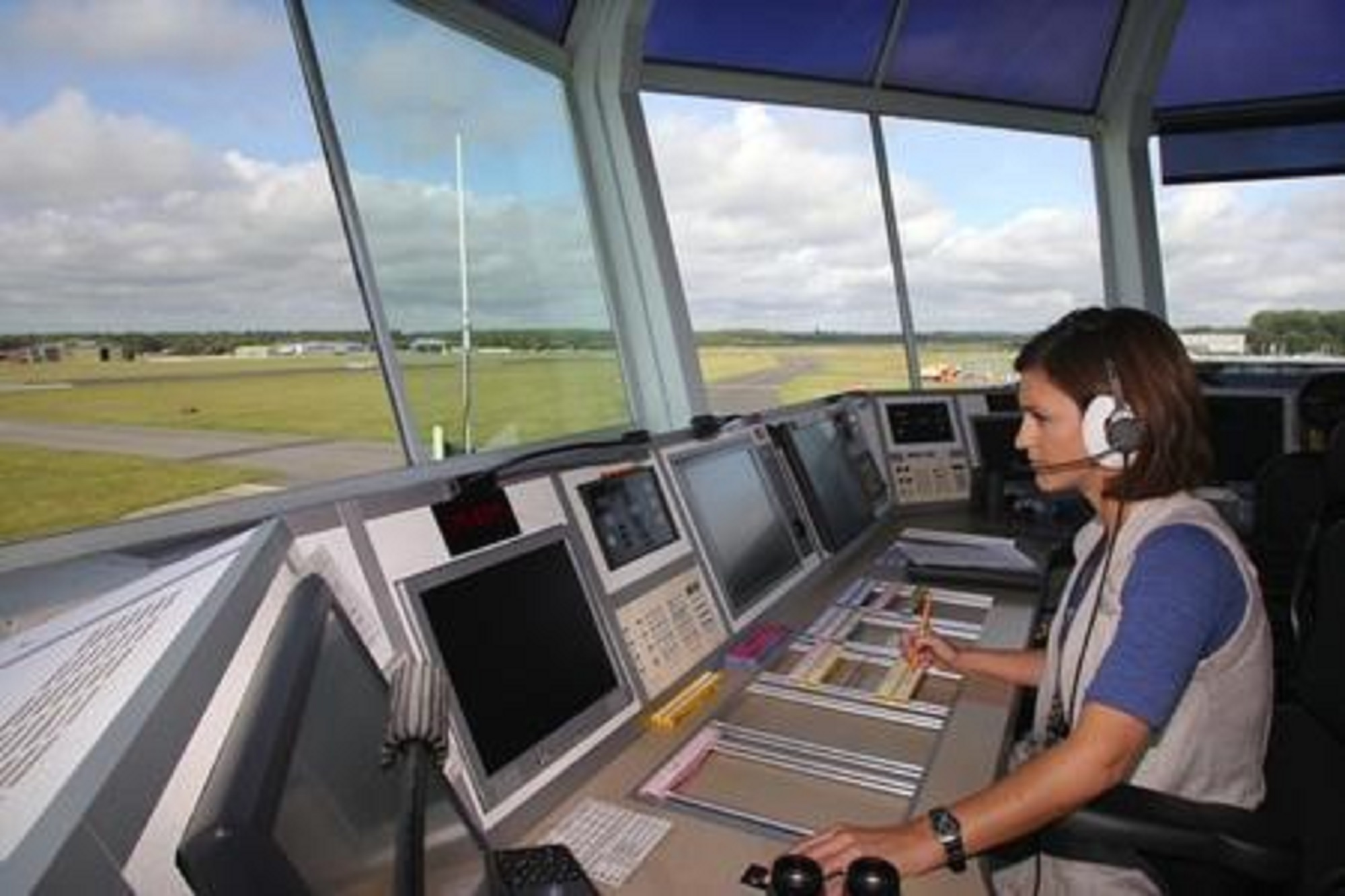'No wonder Shetland want self-rule' - Moves to block cuts to Scots air traffic control over safety fears and soaring costs