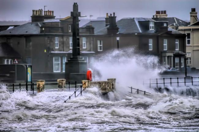 Scotland must do better to hit climate change targets, warns government advisers