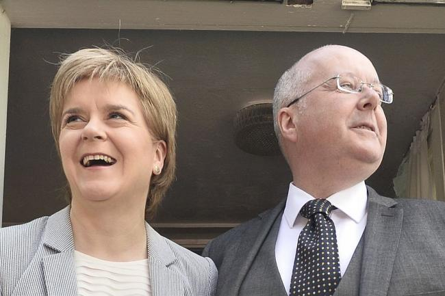 Salmond inquiry: Sturgeon's husband says he was 'upset' when he sent controversial messages