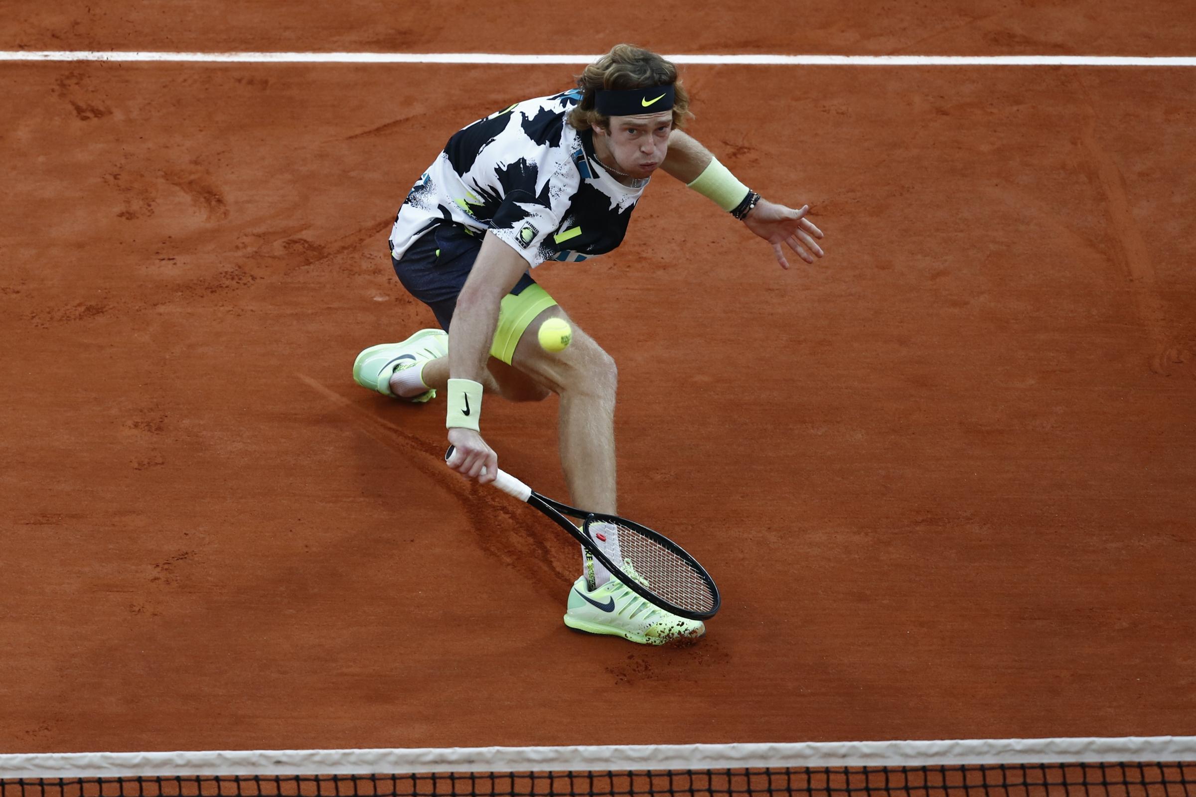 Andrey Rublev bersaing untuk ATP Finals di tempat setelah menang di St Petersburg