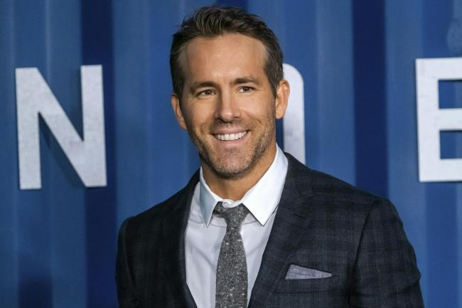 Hollywood superstars Ryan Reynolds and Rob McElhenny have Wrexham takeover bid approved