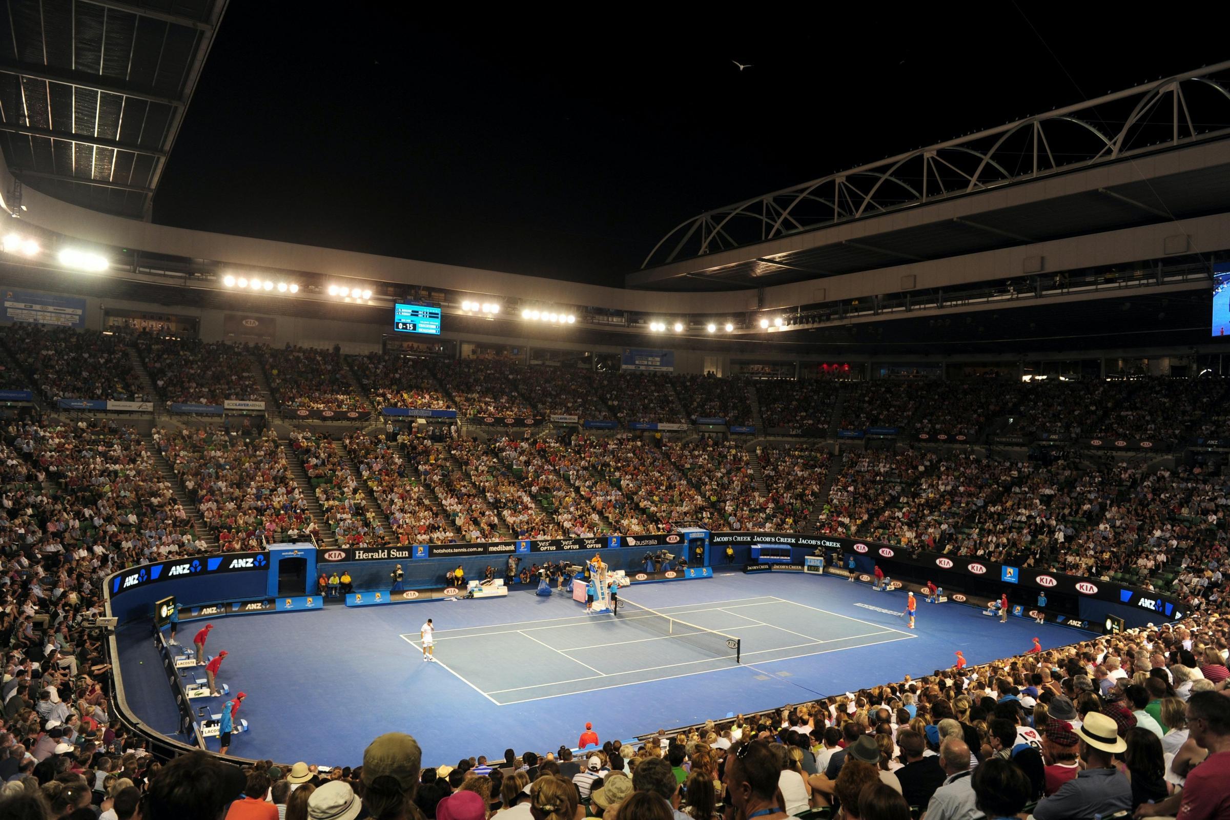 Novak Djokovic menggesa ahli politik untuk membiarkan pemain bersaing semasa karantina