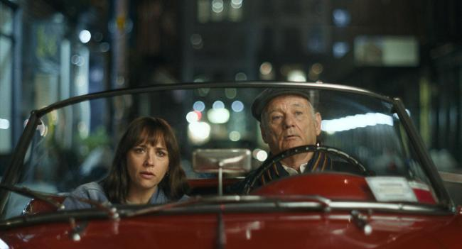 Rashida Jones as Laura and Bill Murray as Felix in On The Rocks