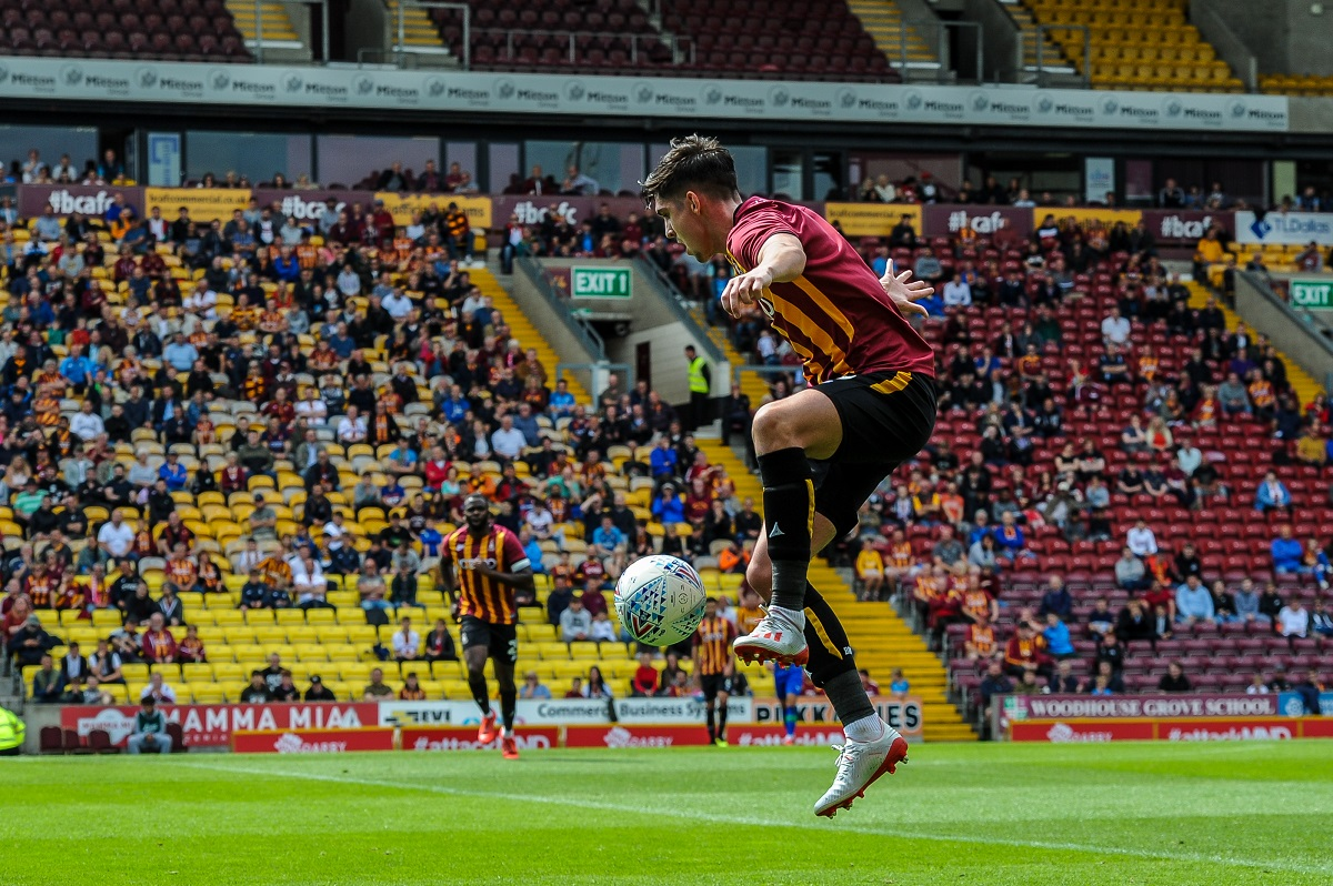 Livingston re-sign former defender Jackson Longridge