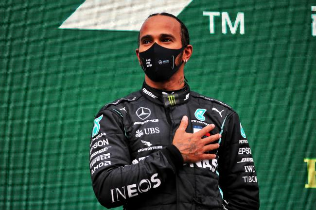 Lewis Hamilton committed to only a one-year extension with Mercedes