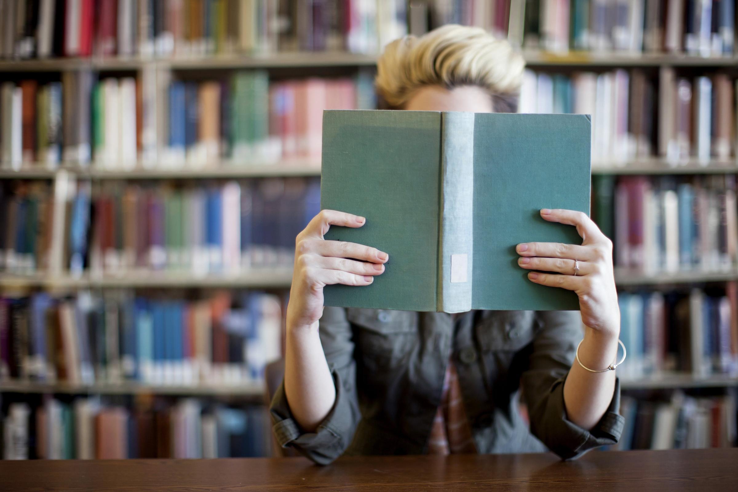 Rak buku kosong saat Natal?  Apapun selanjutnya!  Rosemary Goring