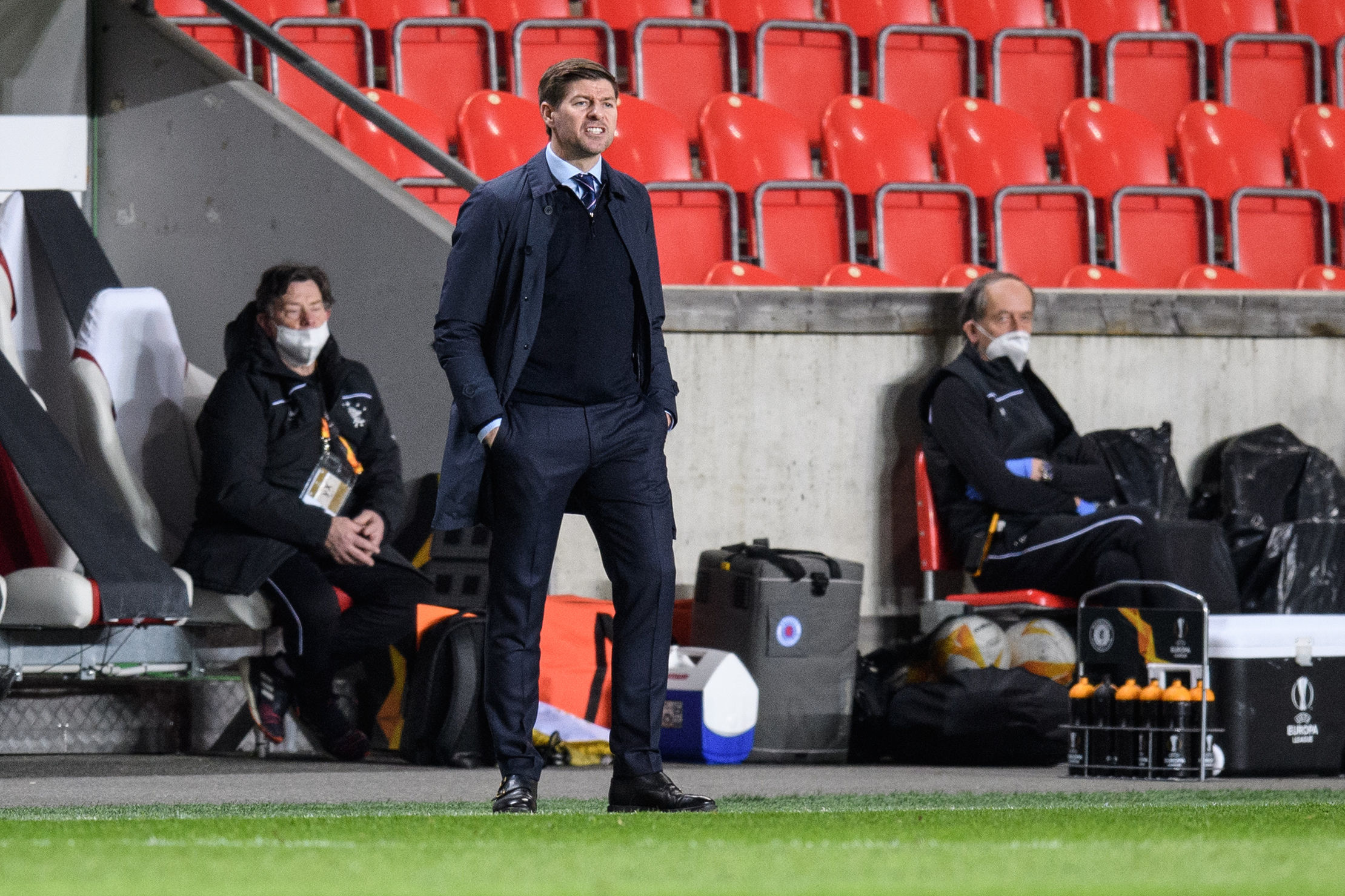 Steven Gerrard's message to Rangers stars awaiting Ibrox contract talks this term