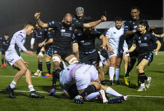 Glasgow Warriors 30-25 Ospreys: Hosts keep top-three hopes alive with dramatic win