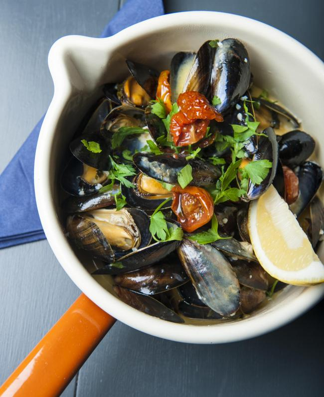 Mussels steamed with extra virgin oil, chilli, lemon zest, diced parsley, white wine, cream and garlic.