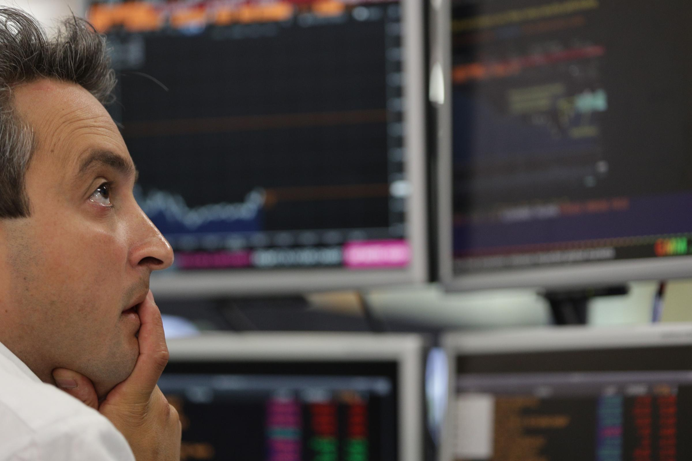 FTSE 100 turun di bawah 7.000 untuk pertama kalinya sejak Juli