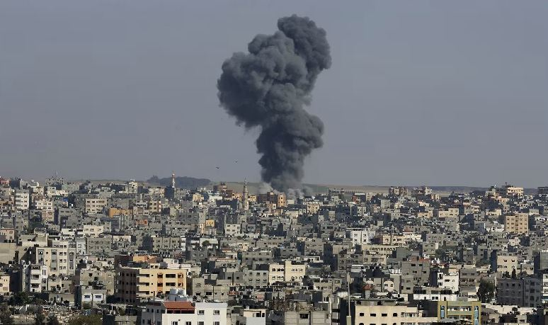 Israeli air strikes in Gaza kills at least 26 in deadliest single attack so far thumbnail