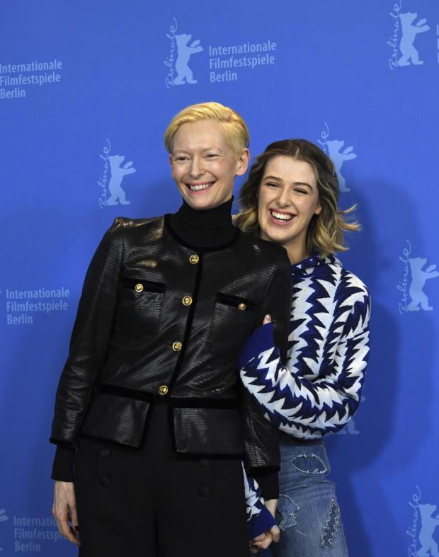 HeraldScotland: l'actrice Tilda Swinton, à gauche, et l'actrice Honor Swinton Byrne, à droite, posent pour les photographes lors de l'appel du film