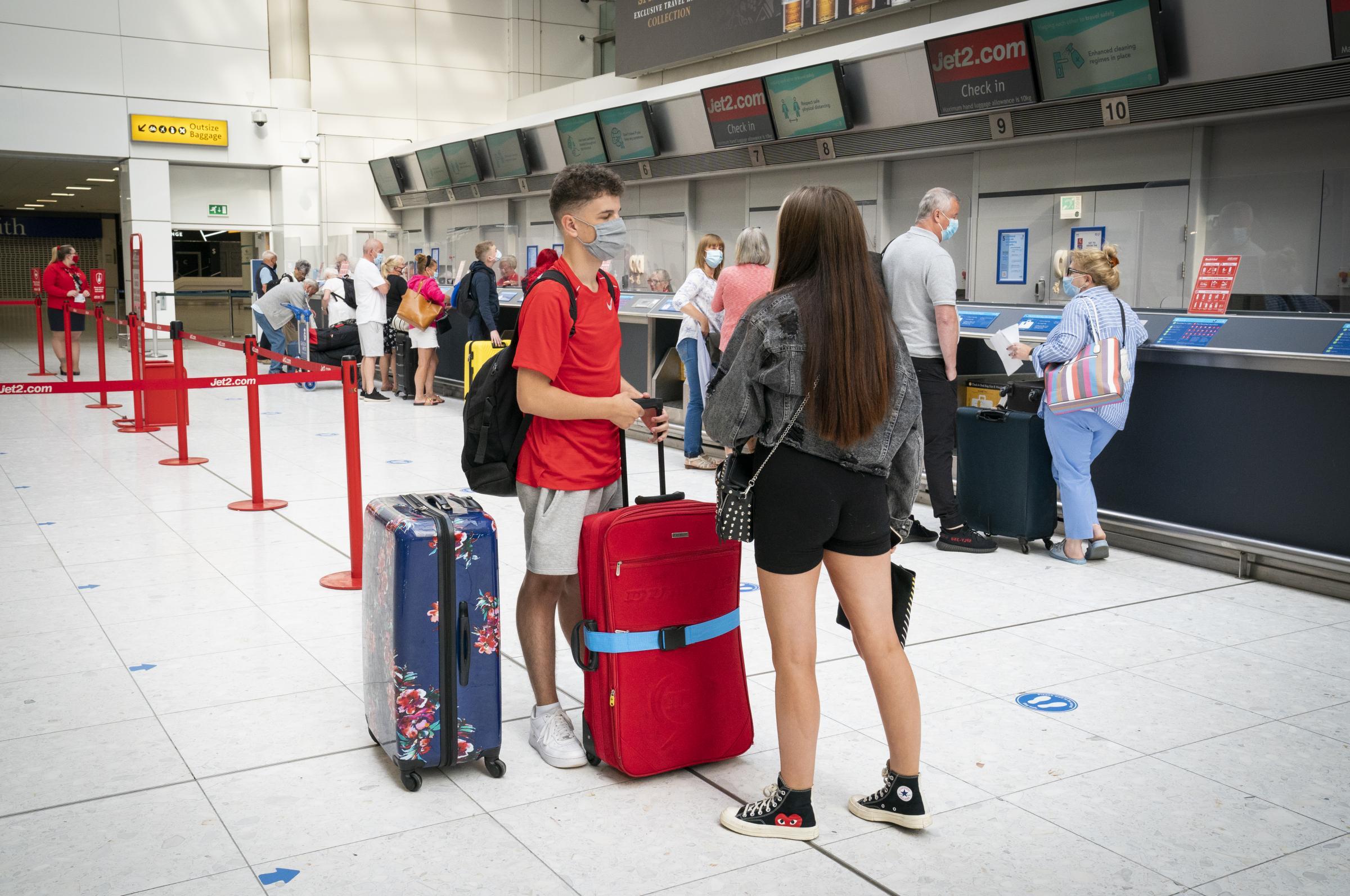 Covid Escocia: advertencia de restricciones ya que los países se eliminan de la lista roja de viajes