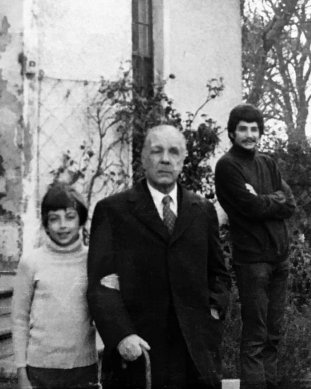 HeraldScotland: Jorge Luis Borges (centre) pictured with Alastair Reid's young son, Jasper, during his trip to Scotland. (Reid's then lodger, Jeff, is on the right)