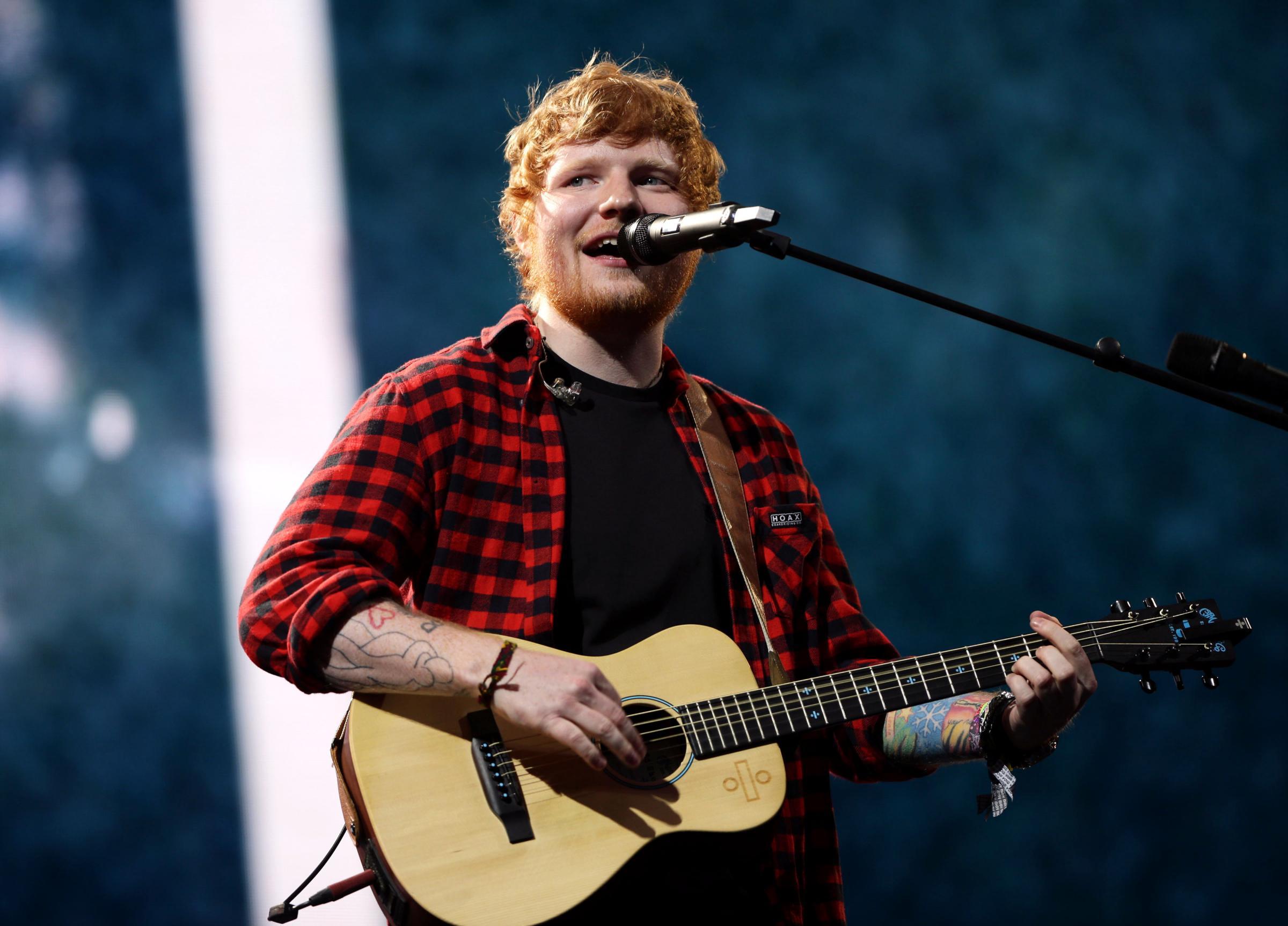 Ed Sheeran Positif Covid-19