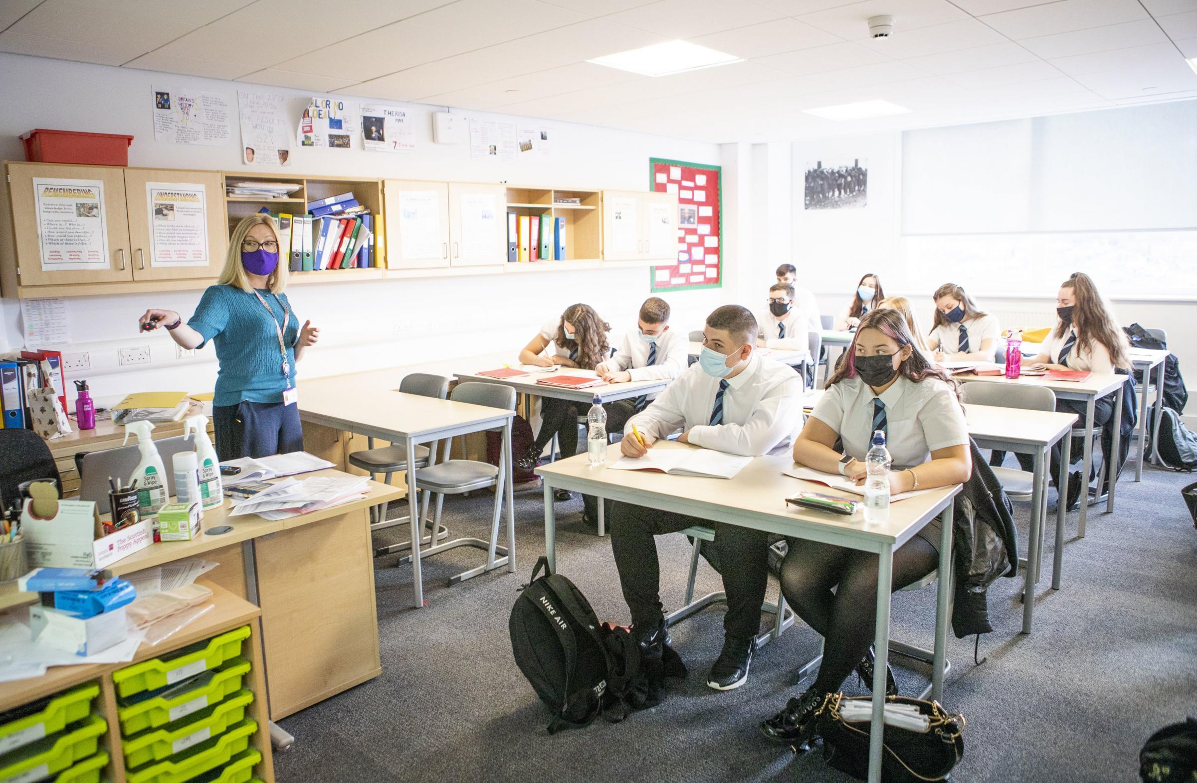Escuelas de Escocia: Escocia gasta más dinero por alumno en el Reino Unido