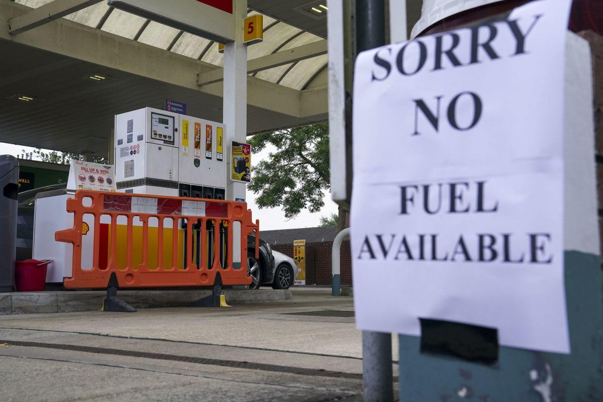 Petrol retailers warn pumps running dry because of panic-buying