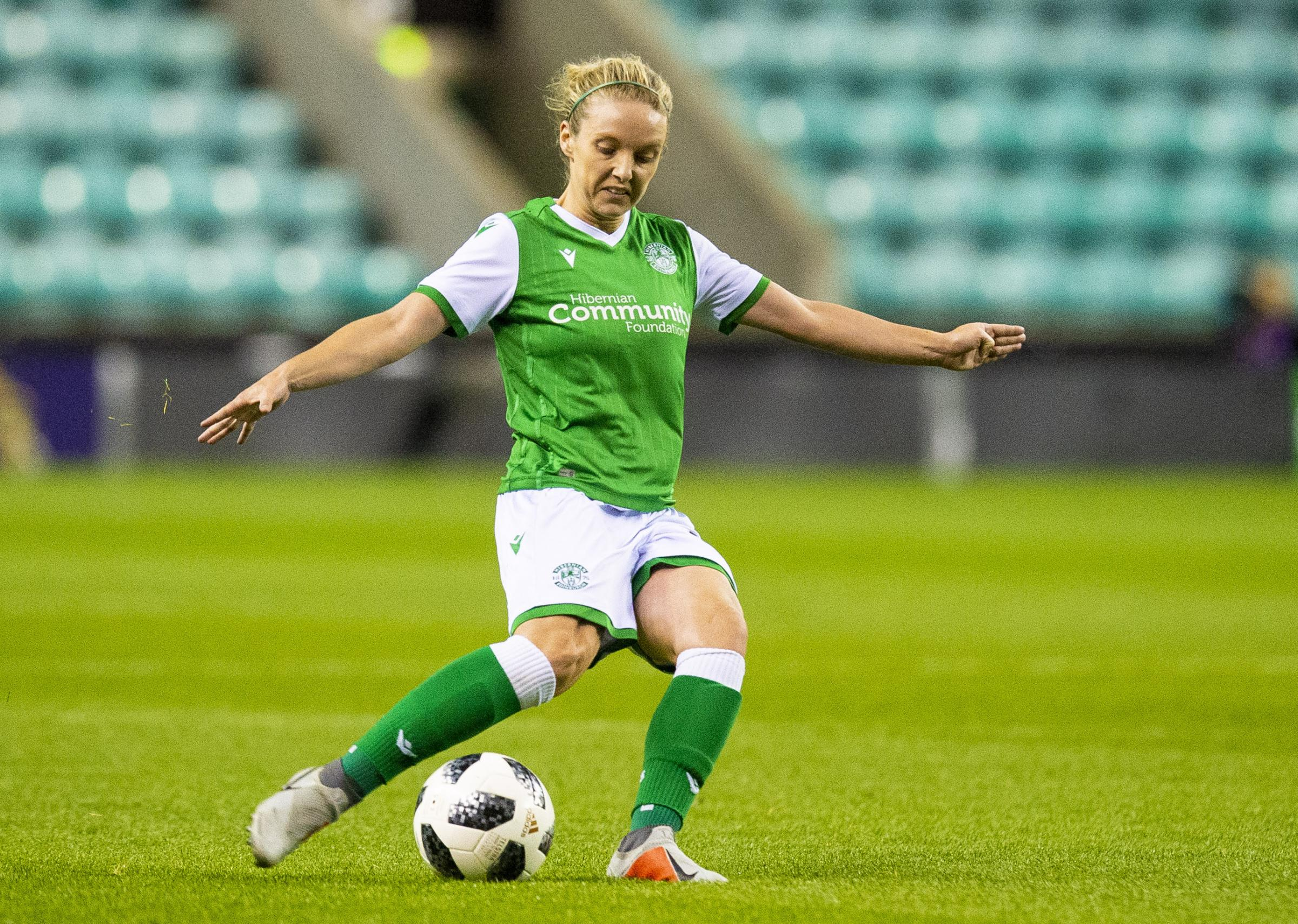 Celtic go top of SWPL 1 as Hearts and Hibs break attendance record