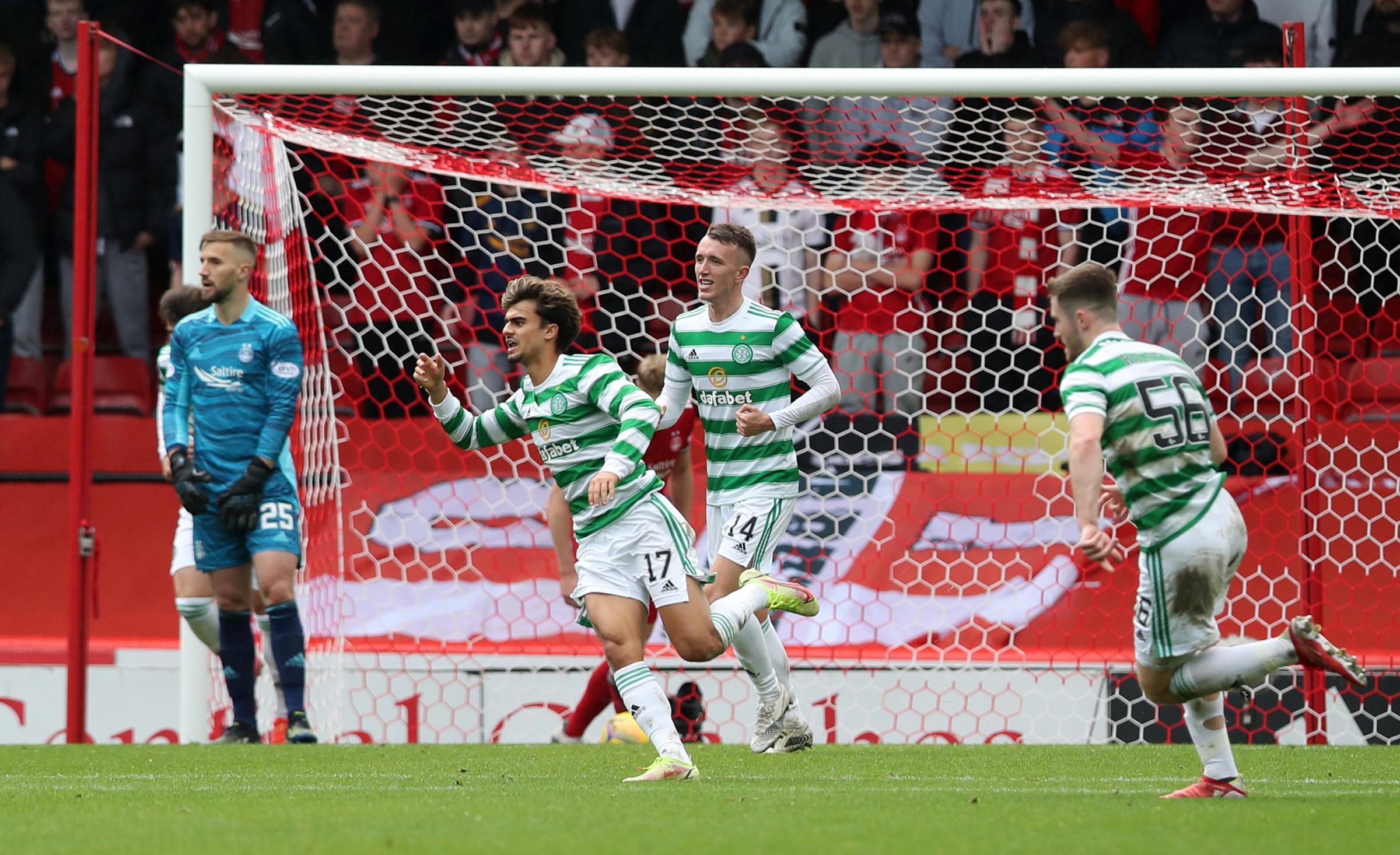 Celtic menggalinya saat proyek Ange Postecoglou mendapat pukulan besar di lengan di Aberdeen