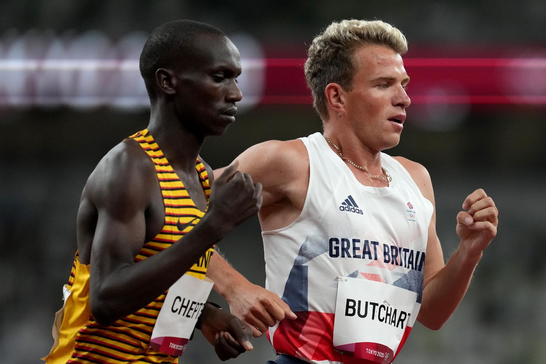 La directora de atletismo del Reino Unido, Sara Symington, resta importancia a los fondos retirados para el corredor Andy Butchart
